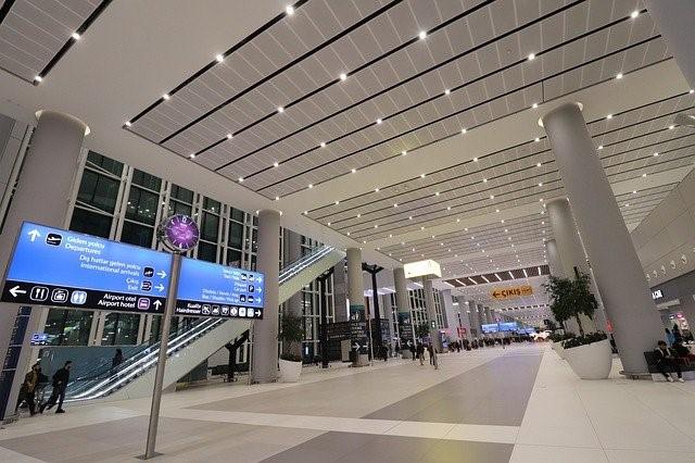 Flughafenhalle im Beijing-Daxing-Flughafen