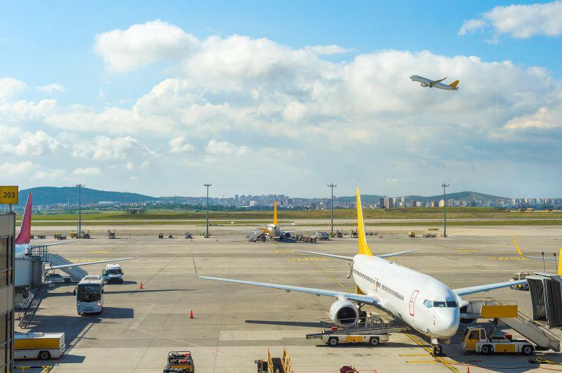 pana la 600 euro compensatii pentru zboruri amanate
