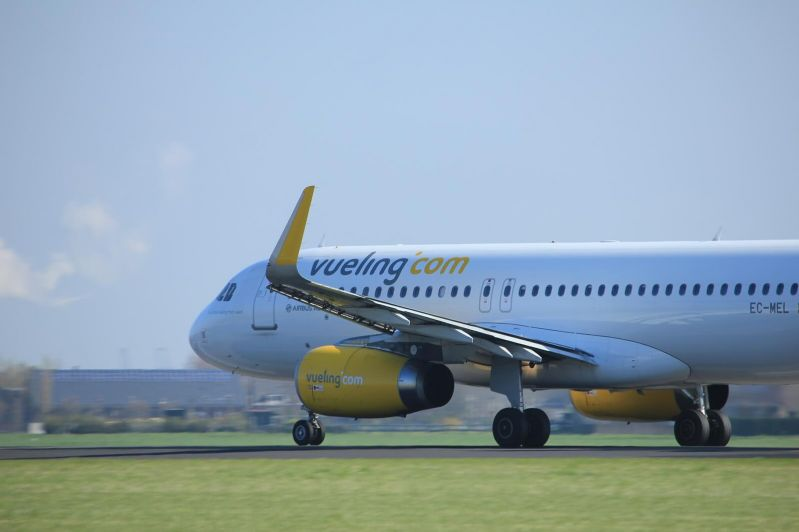 avion Vueling zbor intarziat
