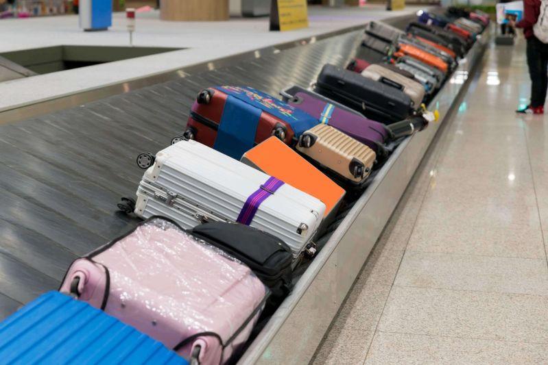Cauzele intarzierilor de zboruri pot fi congestionarea bagajelor