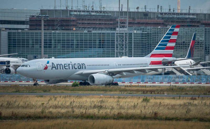 Aplica-pentru-dispagubiri-daca-ai-avut-zbor-anulat-american-airlines