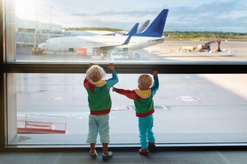 Pregateste-te pentru a zbura cu copii fara sa ai discomfort